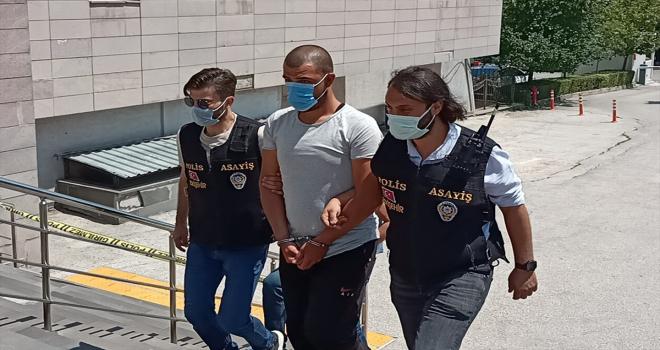 Eskişehir'de bir taksicinin parasını gasbettiği ileri sürülen zanlı yakalandı