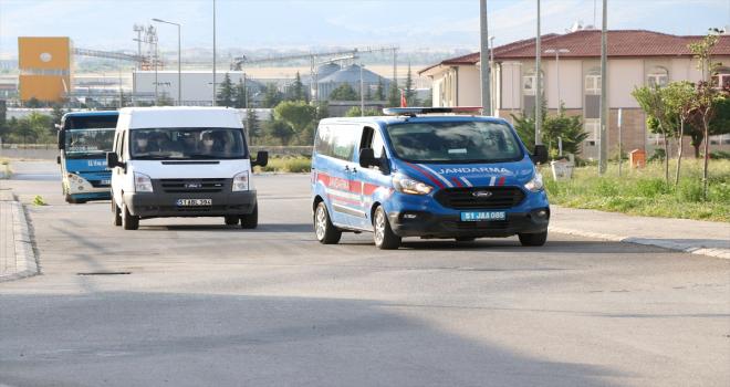 Yurda yasa dışı yollarla giren 85 yabancı uyruklu yakalandı