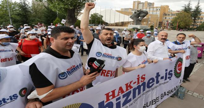Hacettepe Üniversitesindeki Hizmet-İş'e bağlı sağlık çalışanları haklarının ödenmesi için eylem yaptı