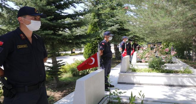 İç Anadolu'da Kurban Bayramı arifesinde şehitlikler ziyaret edildi
