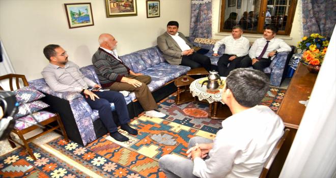 Kahramankazan Belediye Başkanı Oğuz, şehit aileleri ve gazileri ziyaret etti
