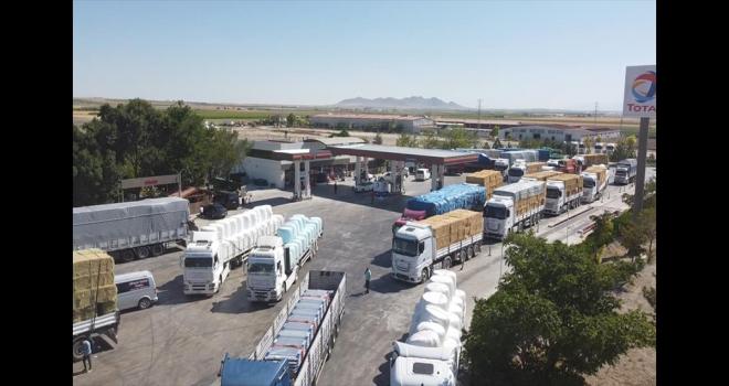 Karapınar'dan Manavgat'a 40 yardım tırı gönderildi