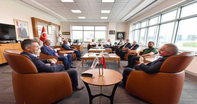 Kayseri ASKF Genel Başkanı Mutlu Önal, Kayseri OSB Bakanı Nursaçan'ı ziyaret etti