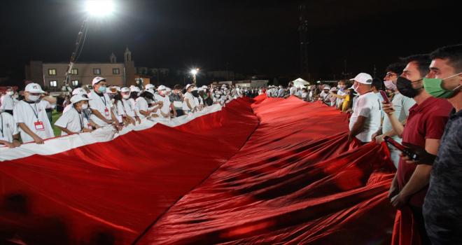 Kayseri'de dev Türk bayrağı açıldı