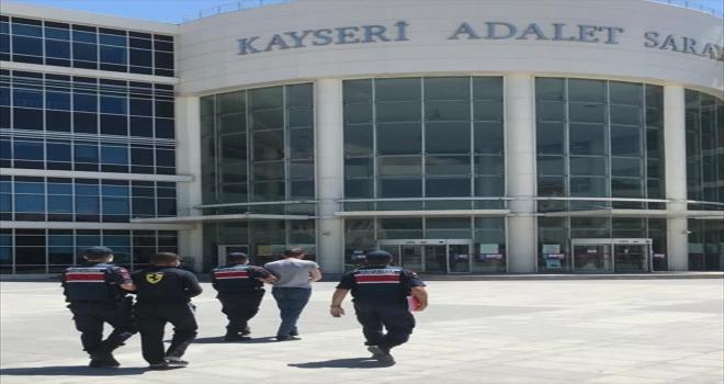 Kayseri'de jandarmanın yakaladığı kablo hırsızları tutuklandı