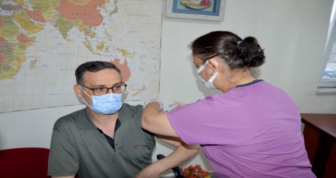 Kayseri'deki Kovid-19 aşılama çalışmalarında 1 milyonuncu doz uygulandı