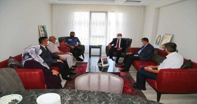 Kayseri Valisi Günaydın, 15 Temmuz şehitlerinin ailelerini ziyaret etti
