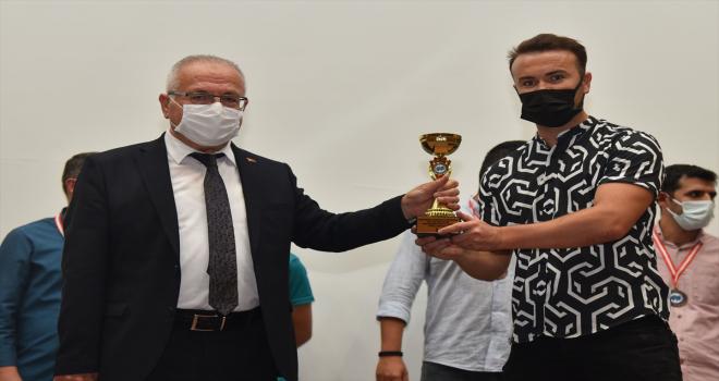 KMÜ'de spor oyunları ödül töreni düzenlendi