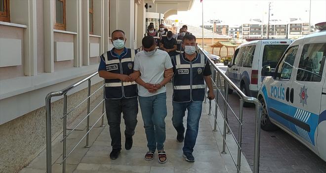 Konya'da kargo firmasından çelik kasa çalıp içindeki paralarla tatile giden 6 şüpheli otelde yakalandı