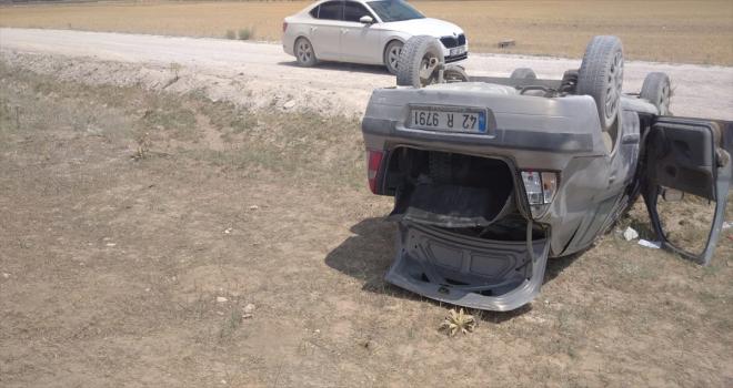 Konya'da otomobil şarampole devrildi: 2 yaralı
