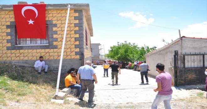 Mardin'de şehit olan Piyade Astsubay Cihan Çifcibaşı'nın Nevşehir'deki ailesine acı haber verildi