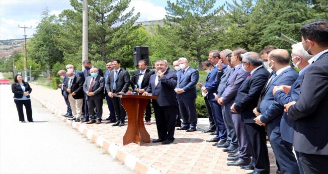 Milli Savunma Komisyonu Başkanı İsmet Yılmaz, Çankırı MKE'de işçilerle buluştu: