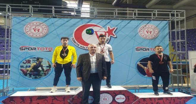 MKE Ankaragücü Halter Takımı, Türkiye şampiyonasında 2 gümüş 1 bronz madalya kazandı