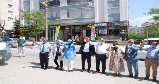 Pursaklar ilçesinden Osmaniye'deki yangından olumsuz etkilenenlere yardım