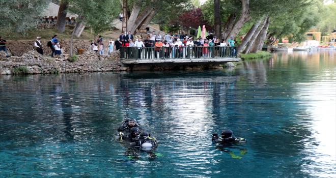 Sanayi ve Teknoloji Bakanı Mustafa Varank'tan, Gökpınar Gölü'nde turkuaz dalış: