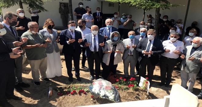 Saz ve söz sanatçısı Şemsi Yastıman'ın cenazesi 27 yıl sonra memleketi Kırşehir'e nakledildi