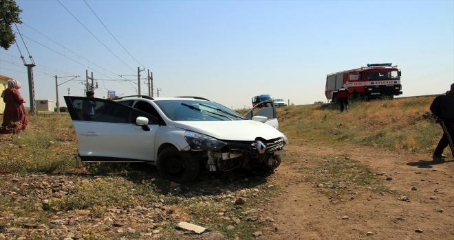 Sivas'ta kontrolden çıkan otomobil şarampole devrildi
