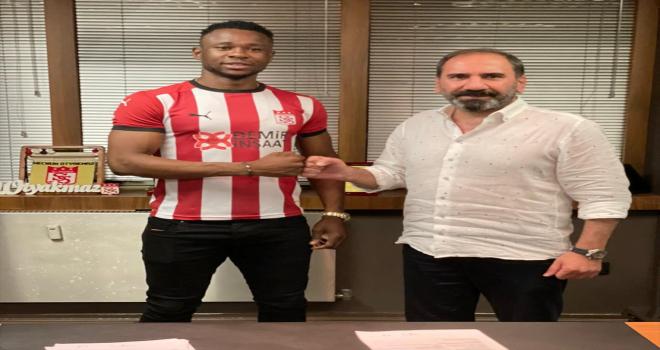 Sivasspor, Nijeryalı oyuncu Leke Samson James'i transfer etti