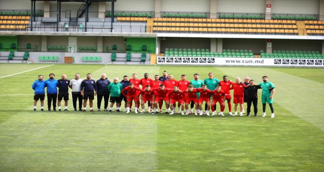Sivasspor, Petrocub maçı hazırlıklarını Moldova'da tamamladı