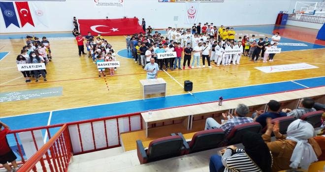 Sorgun'da yaz spor okulları törenle açıldı