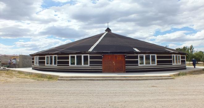 Ulaş'ta 400 kişilik kıl çadır düğün salonu hizmete girdi