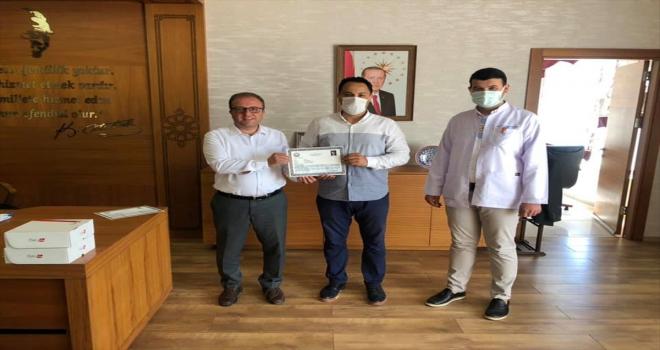 Ulaş'ta sağlık çalışanlarına başarı belgesi verildi