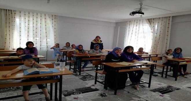 Yalıhüyük'te yaz Kur'an kurslarına talep arttı