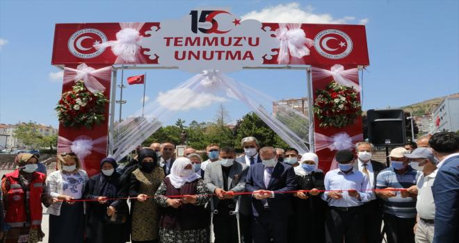 Yozgat'ta Anadolu Ajansının 15 Temmuz fotoğraflarının yer aldığı sergi açıldı
