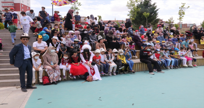 Yozgat'taki şenlikte çocuklar gönüllerince eğlendi