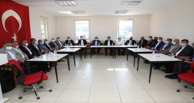 AK Parti Genel Başkan Yardımcısı Özhaseki ile Başkan Büyükkılıç Özvatan'ı ziyaret etti