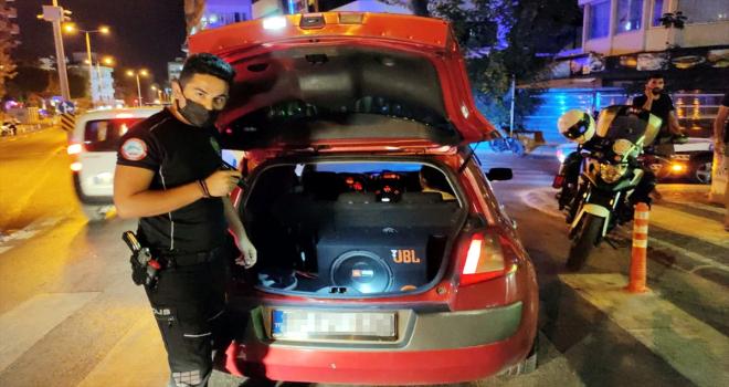 Alanya'da trafik denetimlerinde 4 araç trafikten men edildi