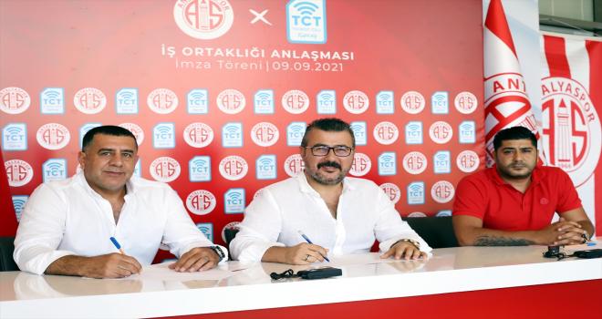Antalyaspor ile Tourist Cell Turkey arasında sponsorluk anlaşması imzalandı