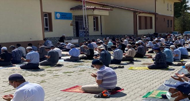 Beyşehir'de çiftçiler yağmur duasına çıktı