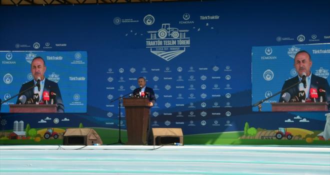 Dışişleri Bakanı Çavuşoğlu, Antalya'da çiftçilere traktör dağıtım töreninde konuştu: