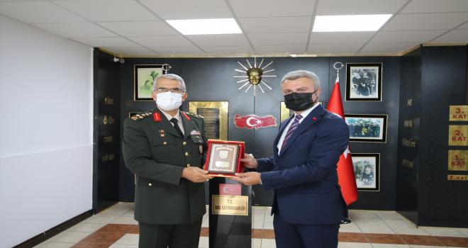 Ege Ordu Komutanı Sivri, Antalya'da Yüzbaşı Mustafa Ertuğrul Aker'i anma törenine katıldı
