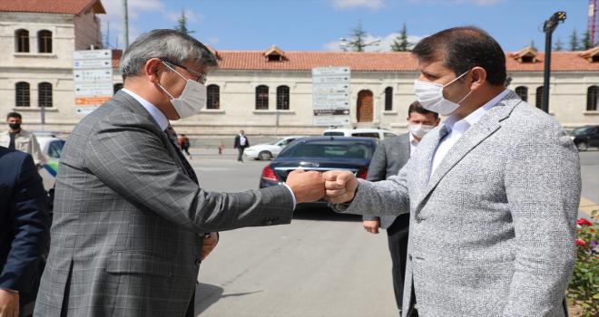 Kazakistan'ın Ankara Büyükelçisi Saparbekuly'den Sivas Valisi Ayhan'a ziyaret