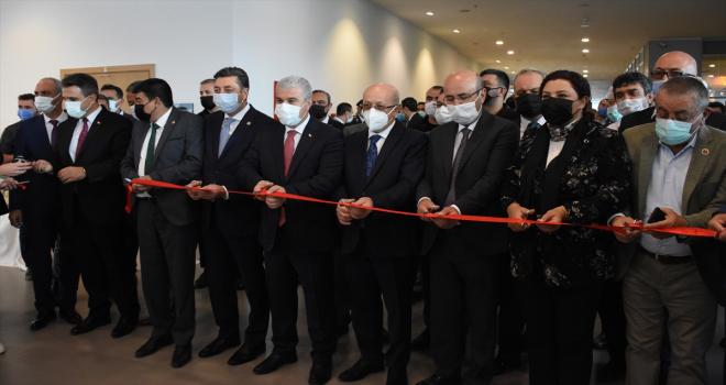 Kırşehir'de Ahilikle ilgili resim, fotoğraf ve el işi sergileri açıldı