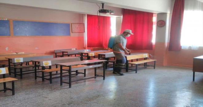 Nallıhan'da hafta sonu tatiline giren okullarda dezenfekte çalışması başlatıldı