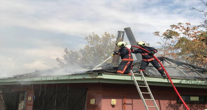 ODTÜ Vişnelik Tesisleri'ndeki kafe-restoranda çıkan yangın hasara neden oldu