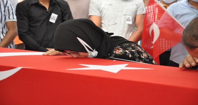 Şehit Piyade Sözleşmeli Er Ömer Faruk Erdem, Konya'da son yolculuğuna uğurlandı