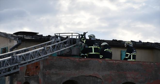Sivas'ta metruk binada çıkan yangın söndürüldü