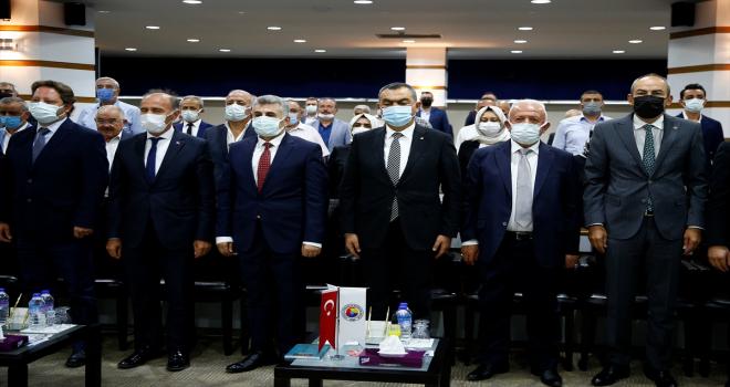 Yılın Ahisi seçilen Mehmet Kabak'a kaftan giydirildi