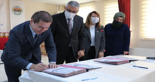 AK Parti Eskişehir Milletvekili Emine Nur Günay, İnönü ilçesinde proje tanıtım toplantısına katıldı