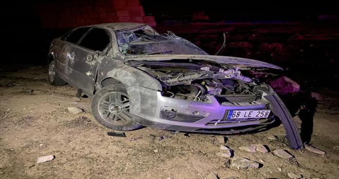 Aksaray'da şarampole devrilen otomobilin sürücüsü öldü