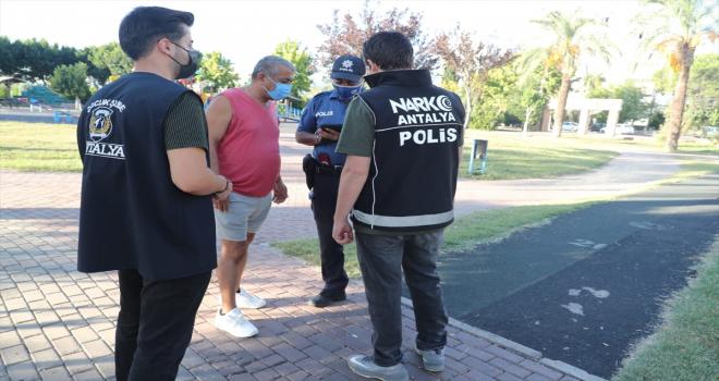 Antalya'da okul çevreleri ve servisler denetlendi