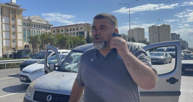 Antalya'da polisin durdurmaya çalıştığı kişiye araç çarptı