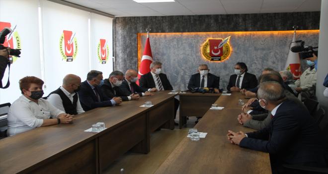 Büyükşehir Belediye Başkanı Büyükkılıç'tan Kayseri Gazeteciler Cemiyeti'ne ziyaret