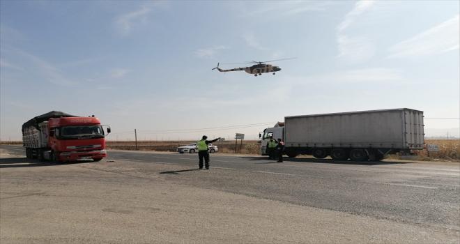 Eskişehir'de jandarma ekipleri helikopter destekli trafik denetimi gerçekleştirdi