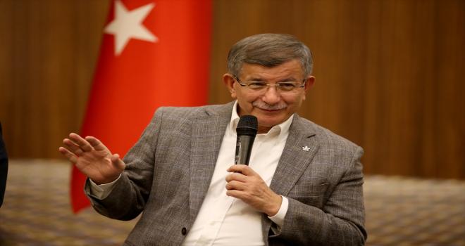 Gelecek Partisi Genel Başkanı Davutoğlu, Kayseri'de gençlerle buluştu