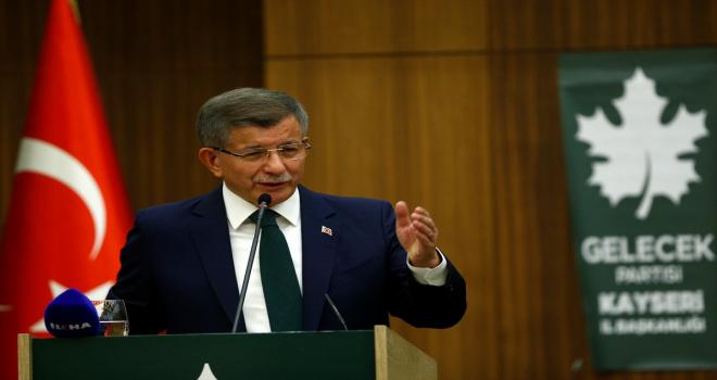 Gelecek Partisi Genel Başkanı Davutoğlu, Kayseri'de STK temsilcileri ve muhtarlarla buluştu